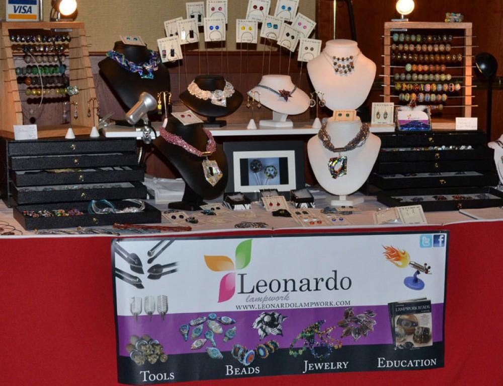 Leonardo Lampwork Medium Vinyl Banner