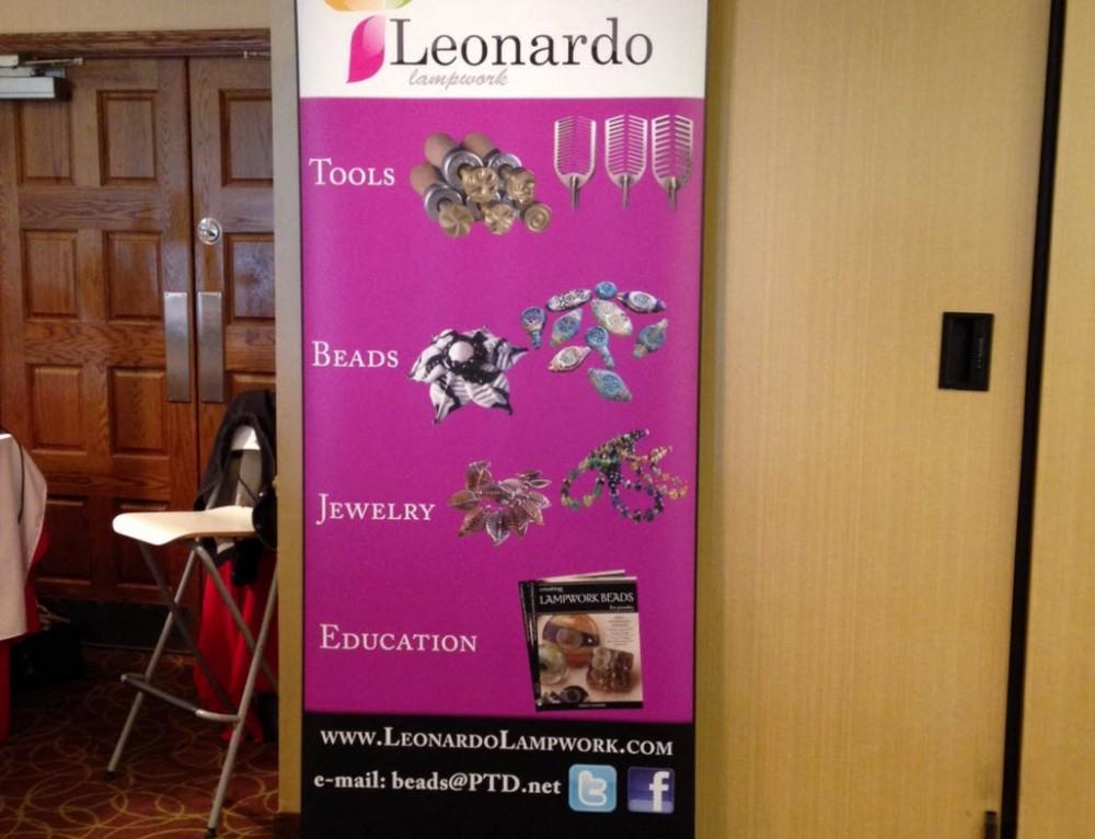 Leonardo Lampwork Bannerstand